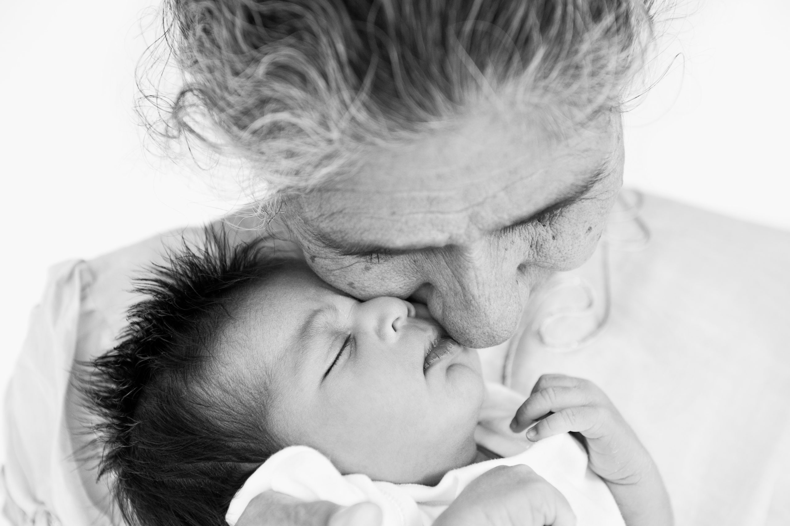 newborn photography brisbane black and white